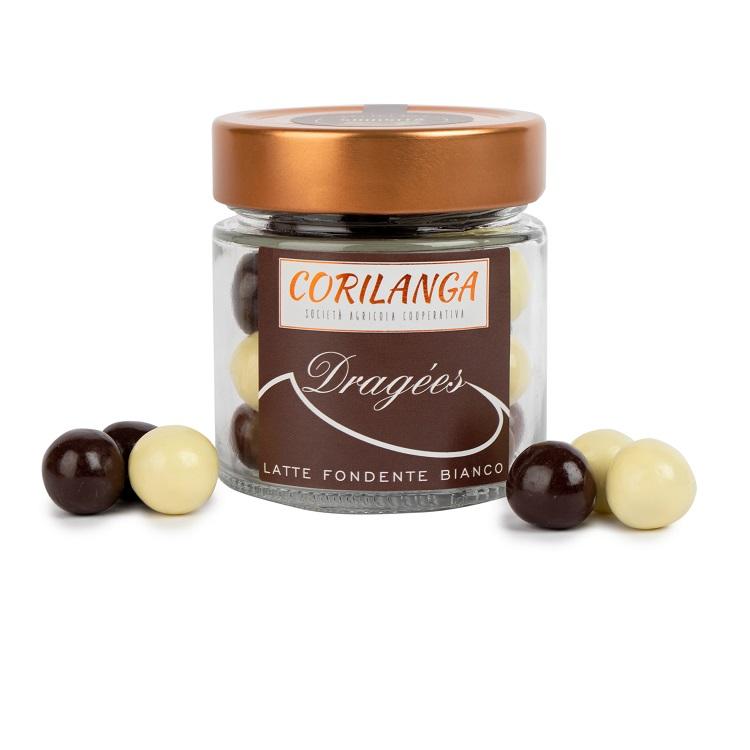 dragees-di-nocciola-con-cioccolato-bianco-al-latte-fondente