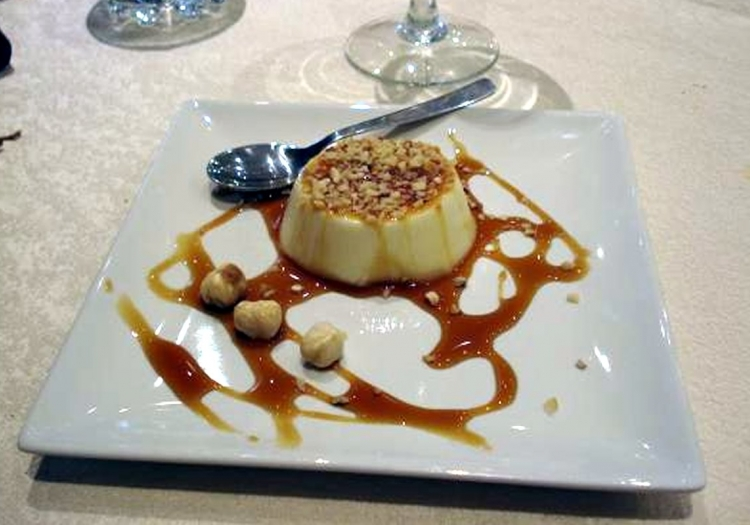 Creme caramel con nocciole Piemonte IGP.